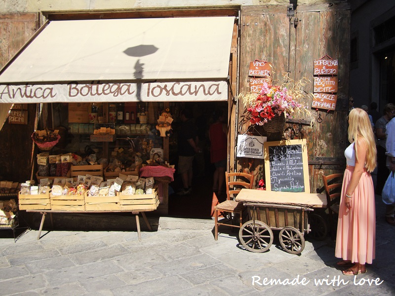 (http://www.tavernasquarcialupi.it/en/tuscany-restaurant.php