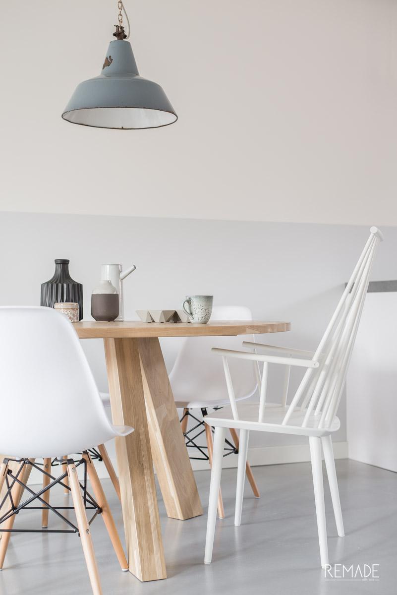 ronde tafel verschillende stoelen hay j110