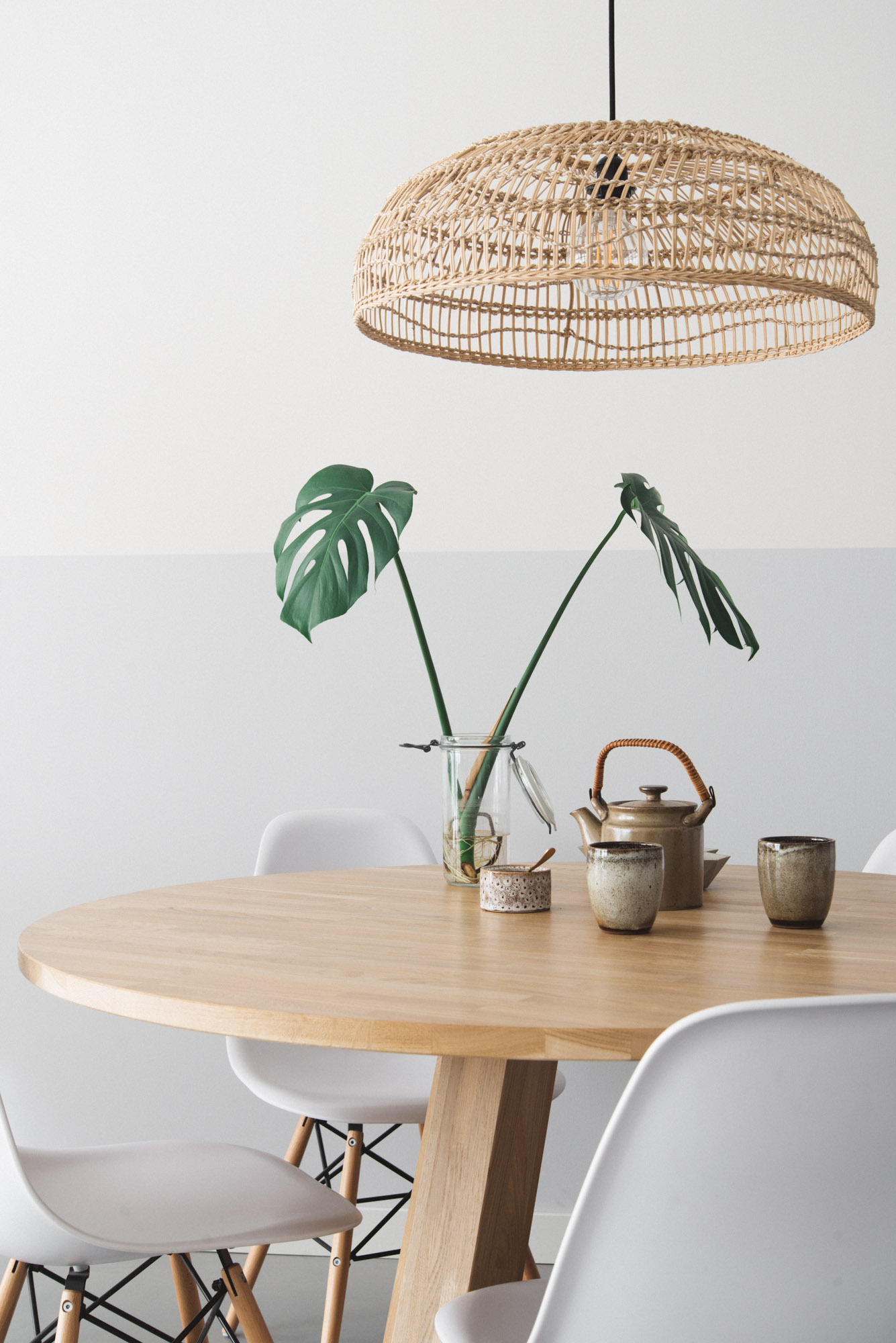Rieten hanglamp boven de eettafel remade with love for Grote hanglamp eettafel