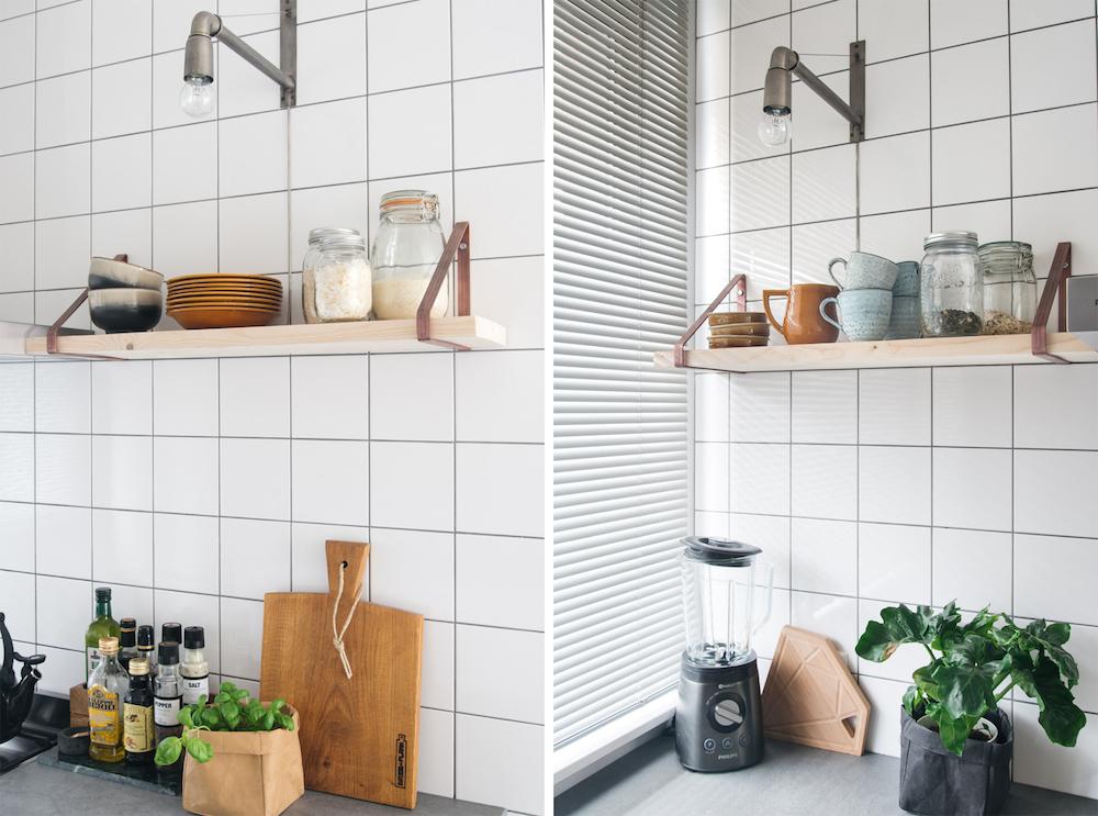 keukenlamp keukenplank witte vierkante tegeltjes