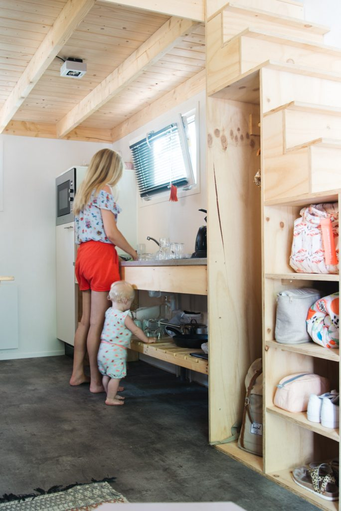 interieur Tiny House overnachting droompark maasdiuinen